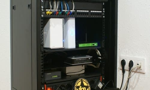 rack-cabinet-554476_1920